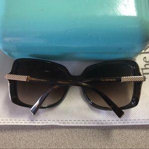 Tiffany & Co Tortoiseshell Oversized Sunglasses ✨